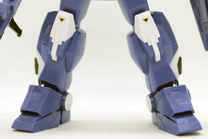 HGUCブルーディスティニー2号機EXAMの脚の画像です