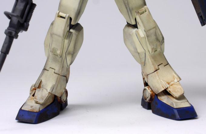 ガンダムEz8の両脚の画像です