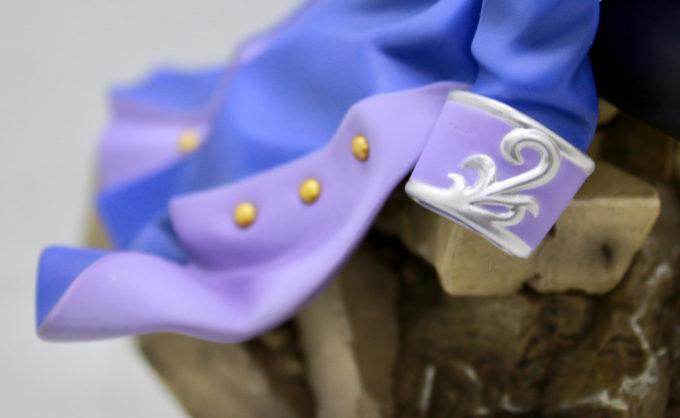 ヒイロ・ユイの服の装飾のフィギュア画像です