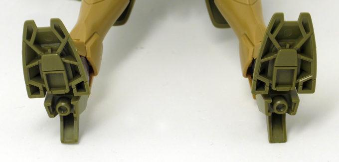 HGBFジンクスIVType-GBFの足裏の肉抜きのガンプラレビュー画像です