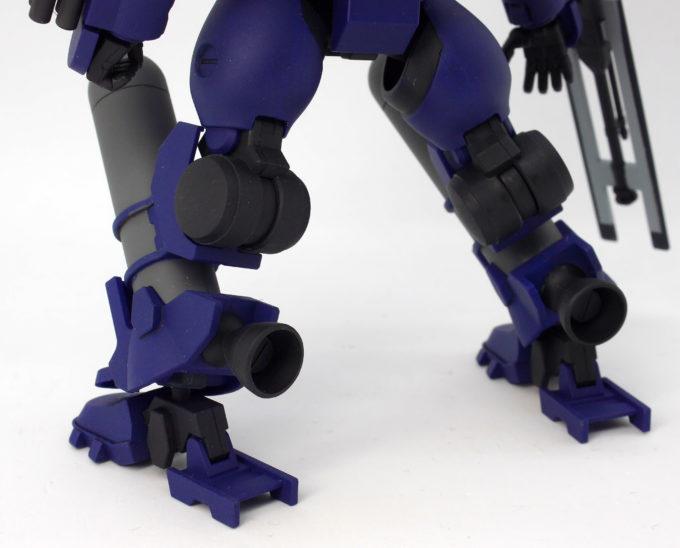 HGティエレン宇宙型の脚部バーニアのガンプラレビュー画像です