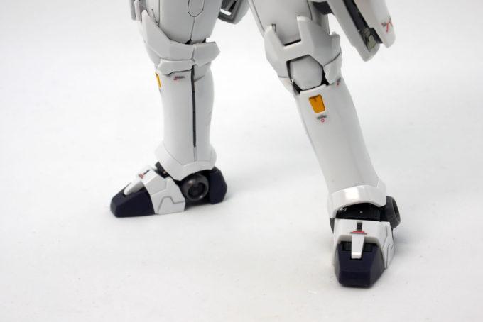 RGトールギスEWの脚部のガンプラ画像です