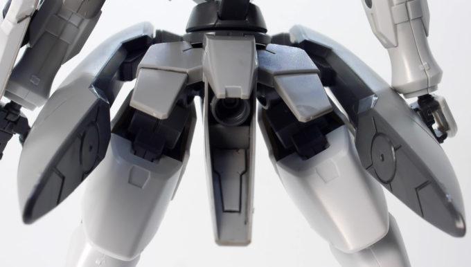 HGジンクスのリアアーマー内部スラスターのガンプラレビュー画像です