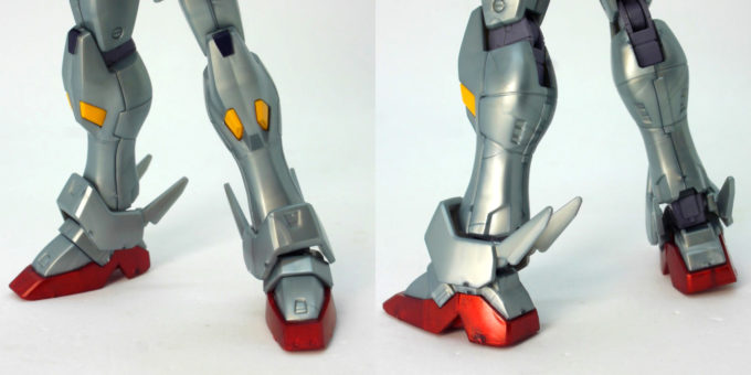 HGUCクロスボーン・ガンダムX0の脚部のガンプラレビュー画像です
