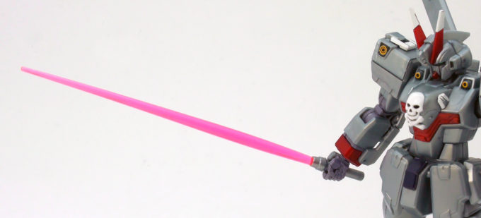 HGUCクロスボーン・ガンダムX0のビームサーベルのガンプラレビュー画像です