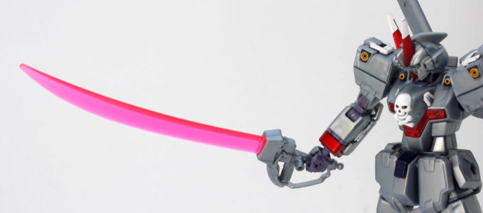 HGUCクロスボーン・ガンダムX0のビーム・ザンバーのガンプラレビュー画像です