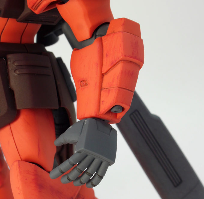 HGUCゲルググJの腕部のガンプラレビュー画像です