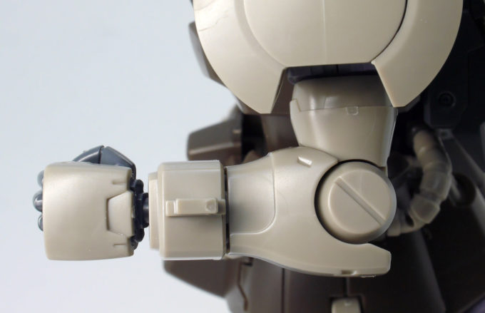 HGUCグフ・フライトタイプの腕部のガンプラレビュー画像です