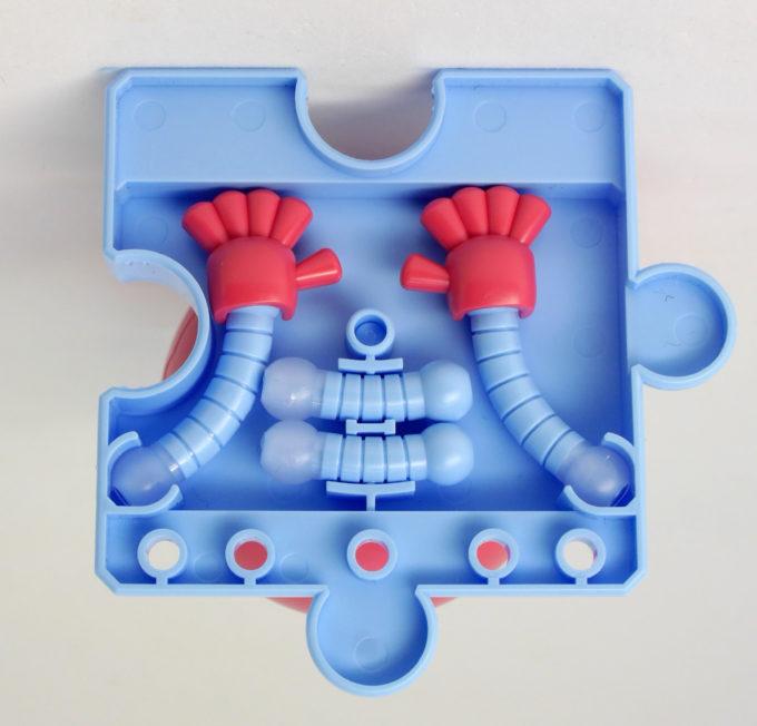 モモハロの台座裏収納ギミックのガンプラレビュー画像です
