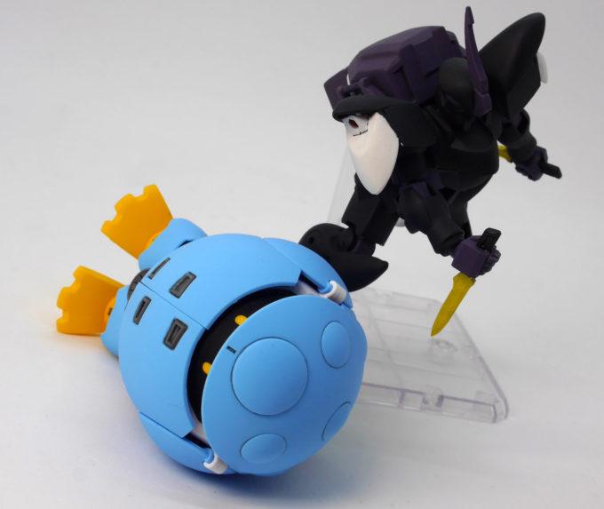 リグ・シャッコーマガツとモモカプルが戦っている画像です