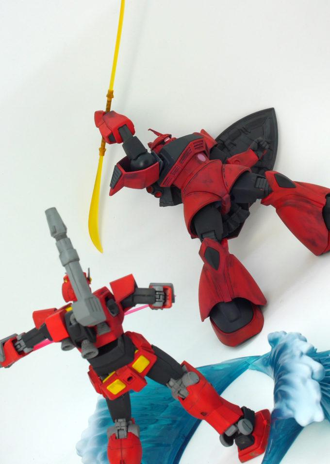 HGUCkジョニー・ライデン専用高機動型ゲルググとHGヘビーガンダム(イングリッド0専用機)のガンプラ画像です