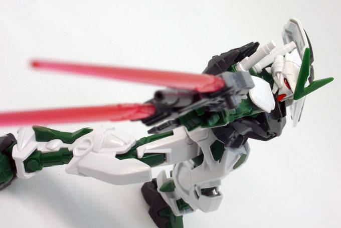 HGガンダムアストレイグリーンフレームのツインソードライフルのレビュー画像です
