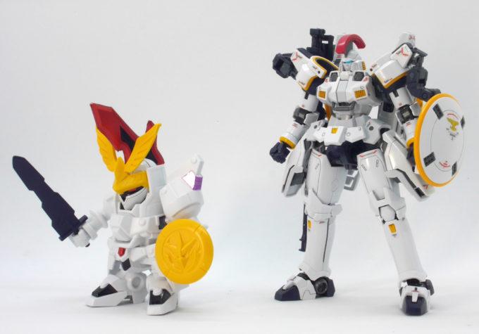 RGトールギスEW版と嵐の騎士トールギスの比較ガンプラ画像です