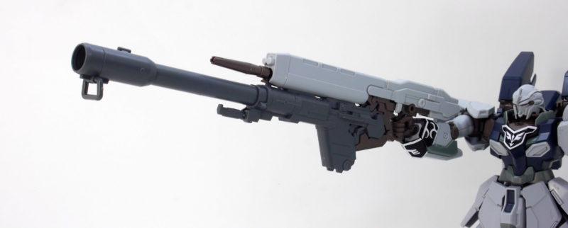 HGUCシナンジュ・スタイン (ナラティブVer.)のハイ・ビーム・ライフルにバズーカを装着したガンプラレビュー画像です