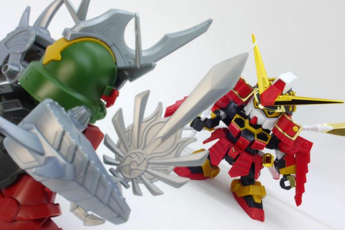 レジェンドBB殺駆頭(闇将軍)と武者頑駄無のガンプラレビュー画像です