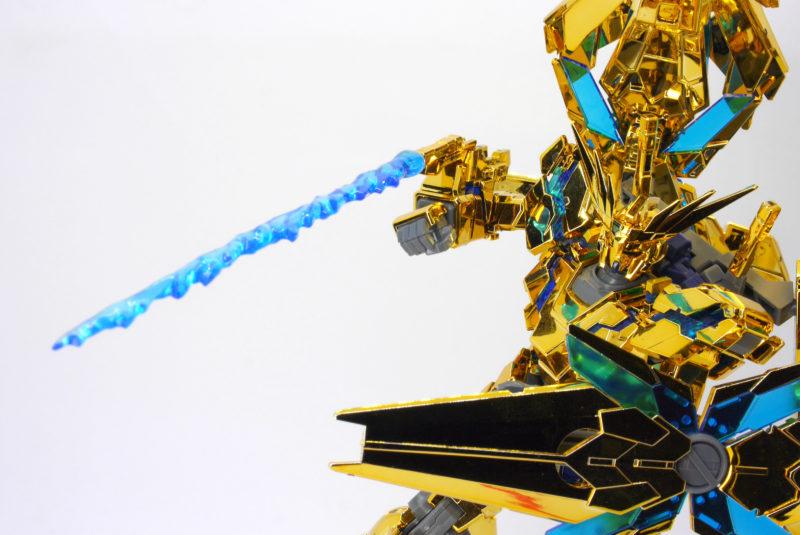 HGUCフェネクスのゴールドコーティングのガンプラレビュー画像です