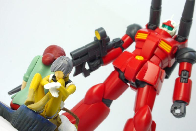 HGUCガンキャノンとミハル・カイのフィギュアの画像です