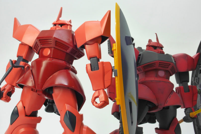 HGUCシャア専用ゲルググとジョニー・ライデン専用高機動型ゲルググの違い・比較ガンプラレビュー画像です
