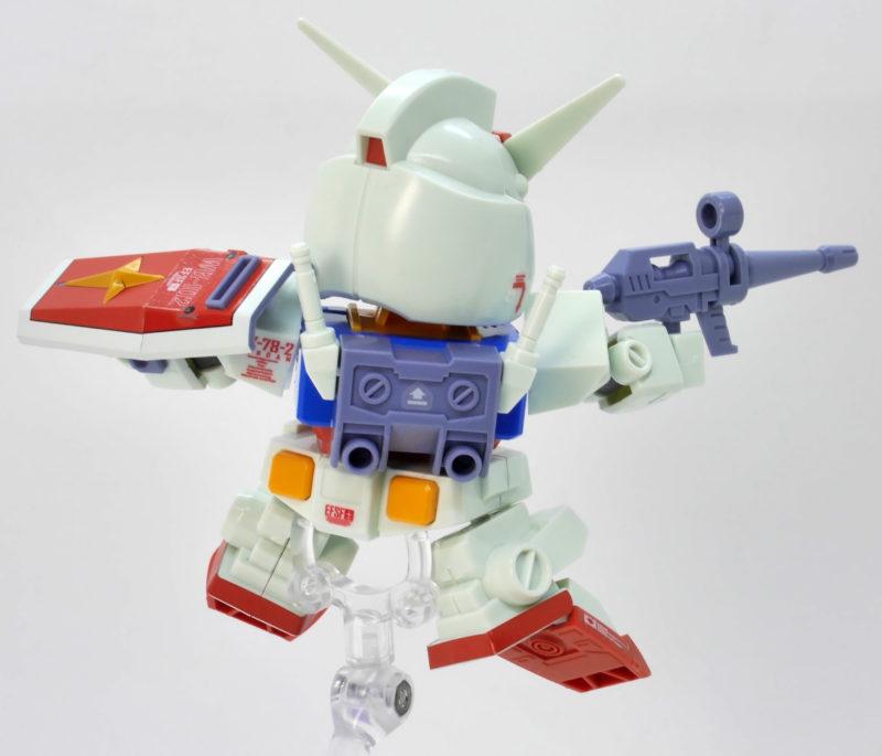 BB戦士329 RX-78-2ガンダム(アニメカラー)のガンプラレビュー画像です