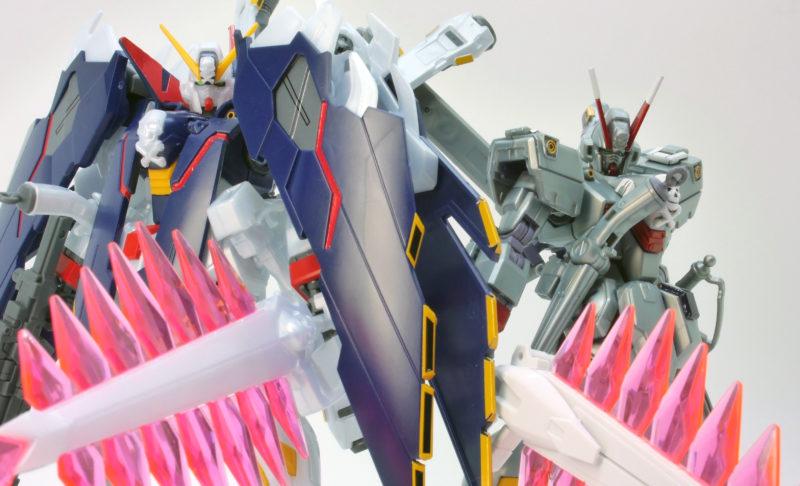 クロスボーンガンダムX1フルクロスとX0の比較ガンプラ画像です