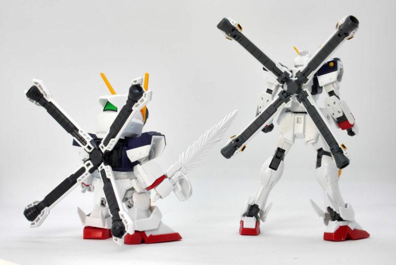 HGUCクロスボーンガンダムX1とクロスシルエットの比較ガンプラレビュー画像です