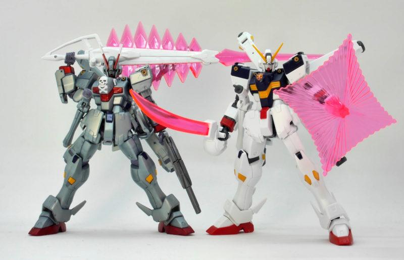 HGUCクロスボーンガンダムX0とX1の比較ガンプラレビュー画像です