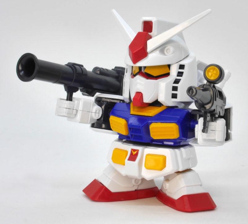 BB戦士 No.200 RX-78-2ガンダムのガンプラレビュー画像です