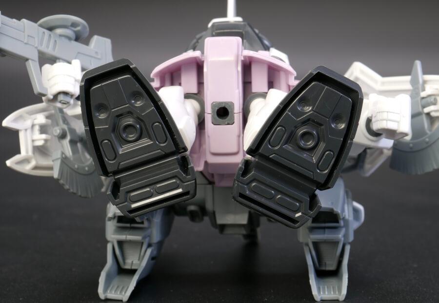 BB戦士ブレイズザクファントム(レイ・ザ・バレル専用機)のガンプラレビュー画像です