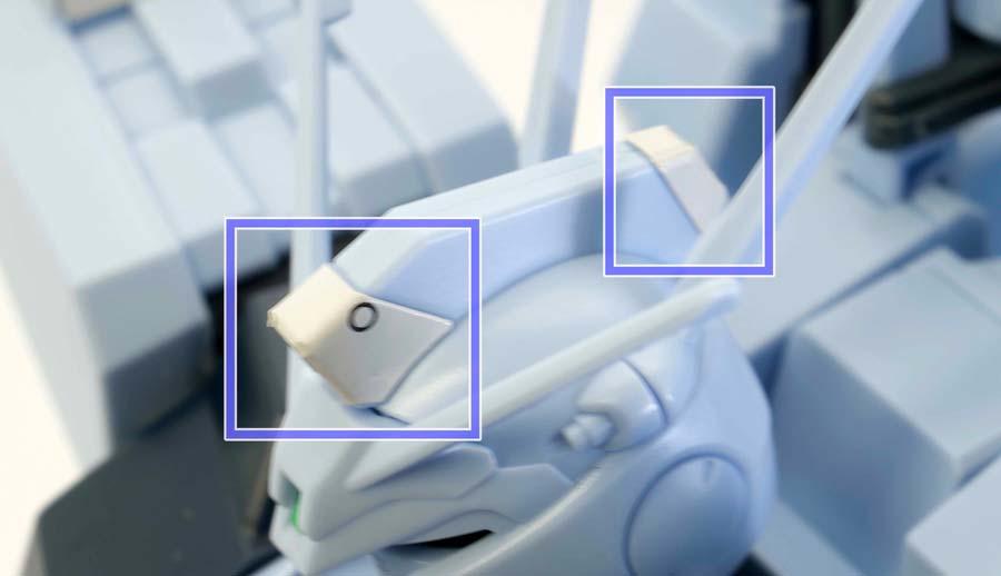 HGシルヴァ・バレト(ファンネル試験型)の頭部に貼るシールのガンプラレビュー画像です