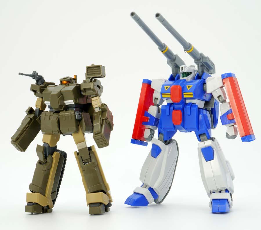 HGロトとガンタンクR-44の比較ガンプラ画像です