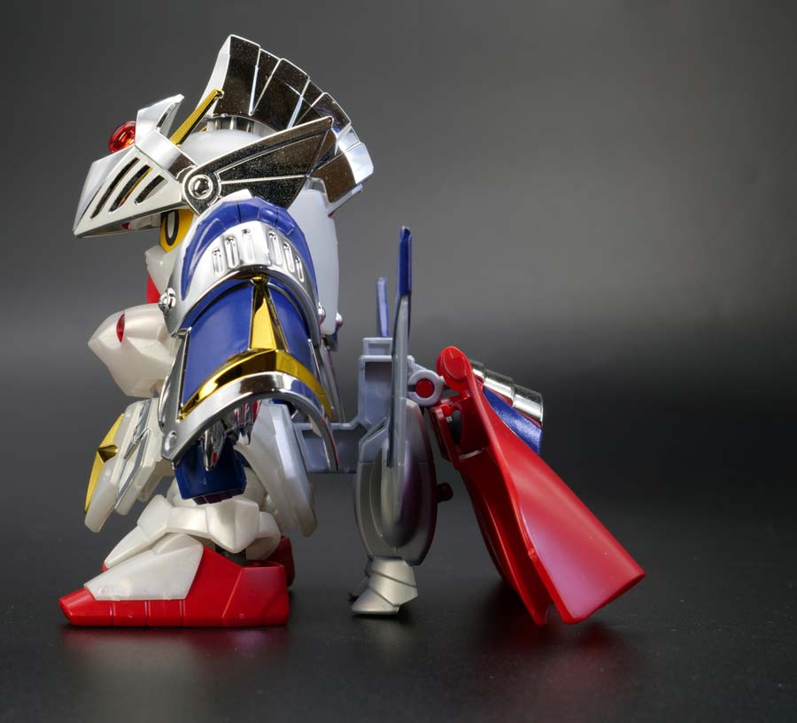 LEGEND BB バーサル騎士ガンダムのガンプラレビュー画像です