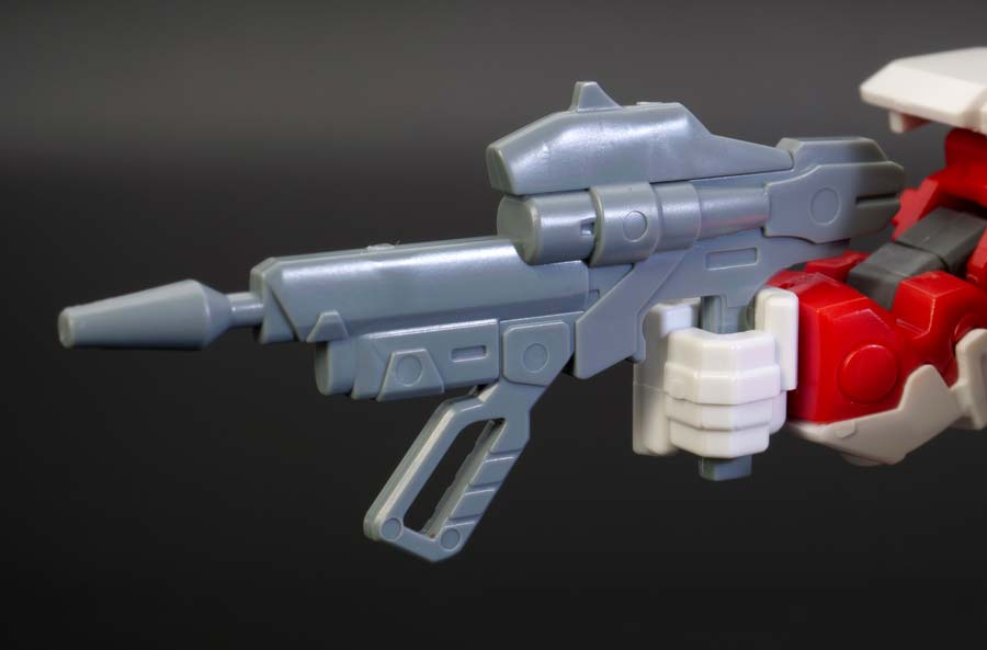 BB戦士ガンダムアストレイレッドフレームのガンプラレビュー画像です