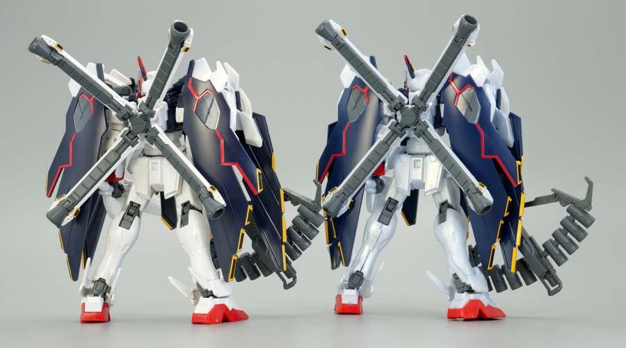HGクロスボーン・ガンダムX1フルクロスとTYPE.GBFTの比較ガンプラレビュー画像です