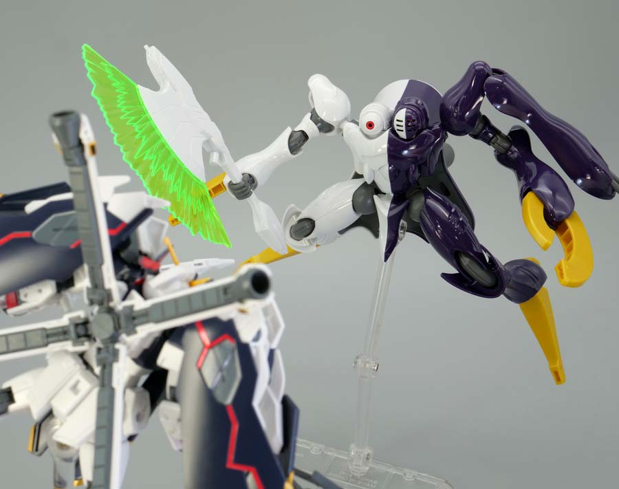 HGクロスボーン・ガンダムX1フルクロスのガンプラレビュー画像です
