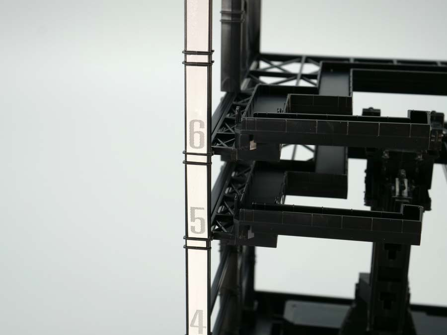 1/144ガンダムドックのガンプラレビュー画像です