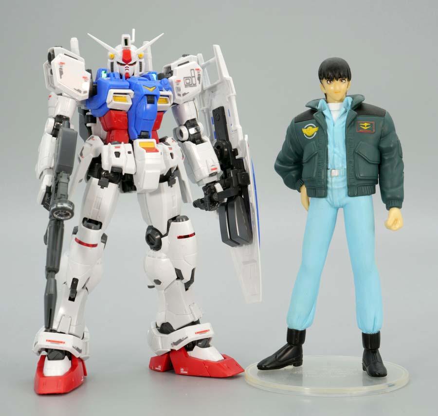 RGガンダムGP01ゼフィランサスとウラキ少尉のフィギュアの画像です