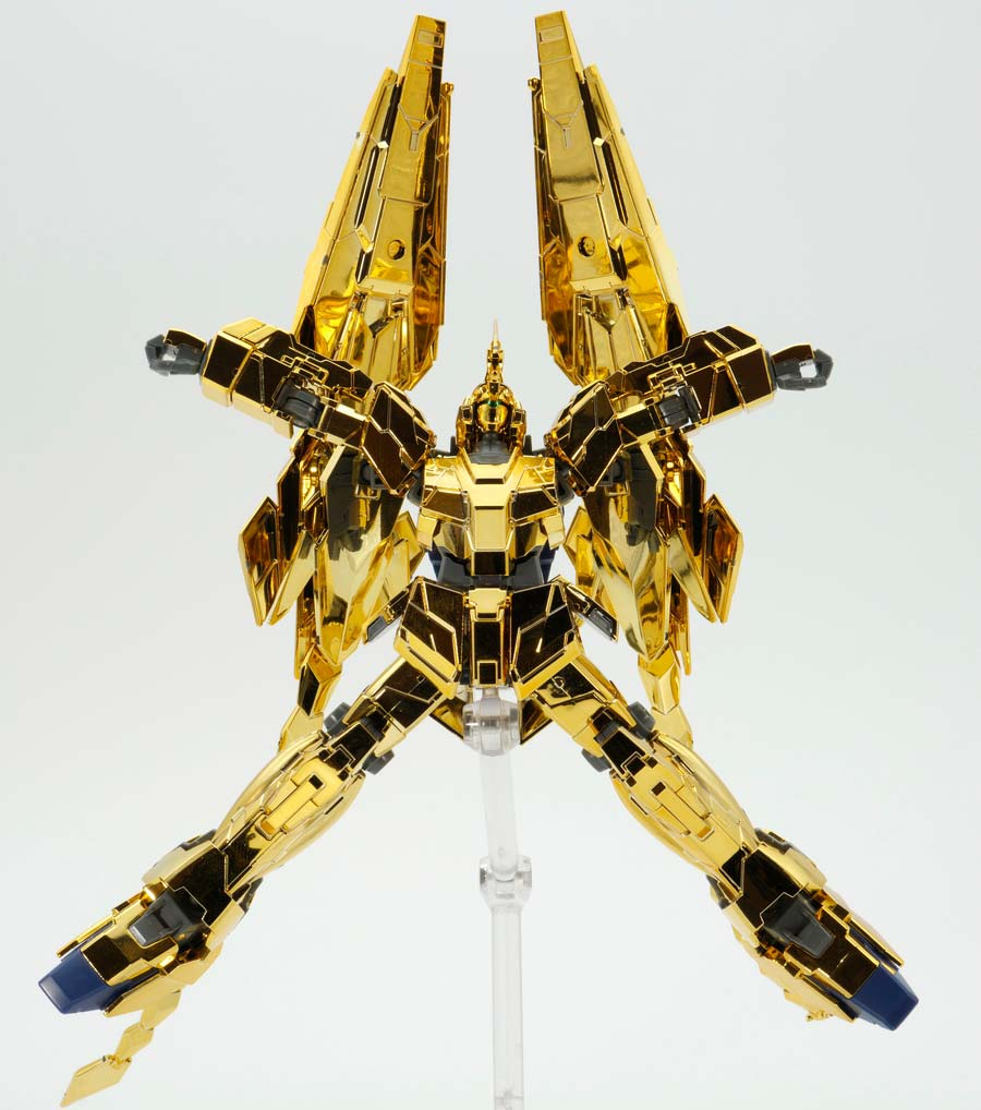 HGUCユニコーンガンダム3号機フェネクス(ユニコーンモード)(ナラティブVer.)のガンプラレビュー画像です