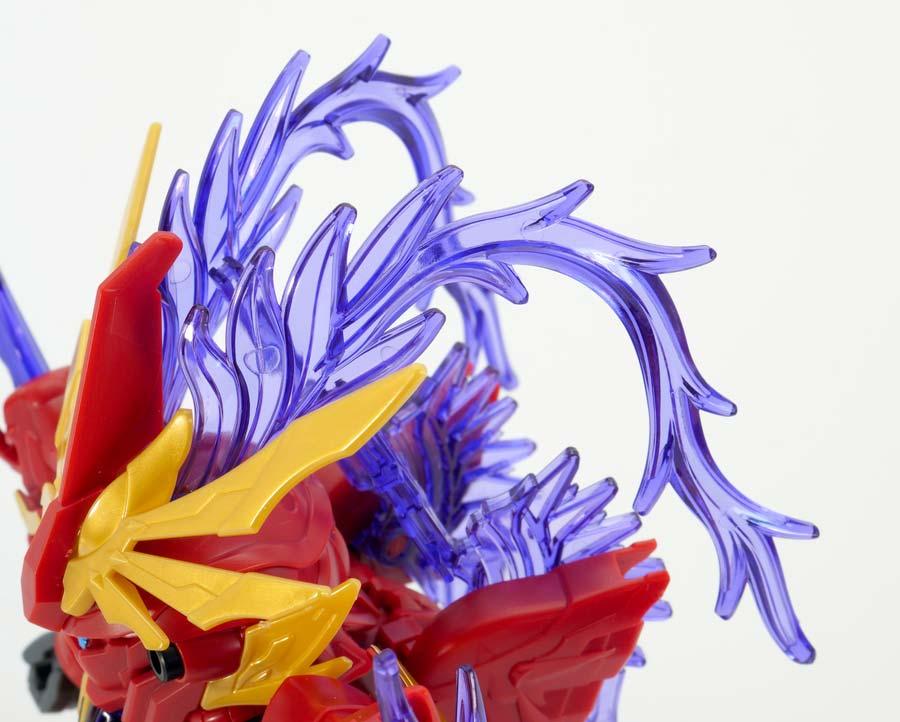 呂布シナンジュのガンプラレビュー画像です
