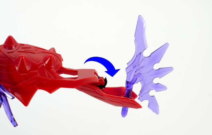 呂布シナンジュと貂蝉キュベレイの組み合わせガンプラレビュー画像です
