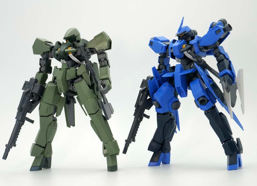 1/100グレイズ(一般機/指揮官機)と1/100シュヴァルベグレイズ(マクギリス機)の比較ガンプラレビュー画像です
