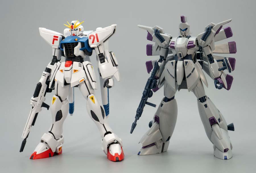 MGガンダムF91 Ver.2.0とRE/100ビギナ・ギナの比較ガンプラレビュー画像です
