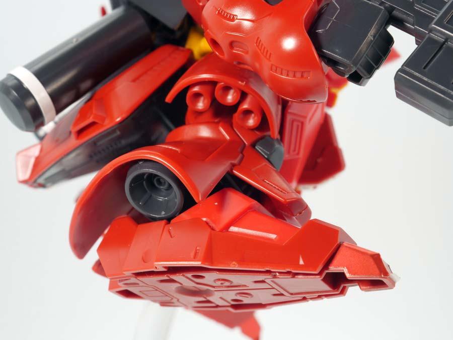 BB戦士サザビーのガンプラレビュー画像です