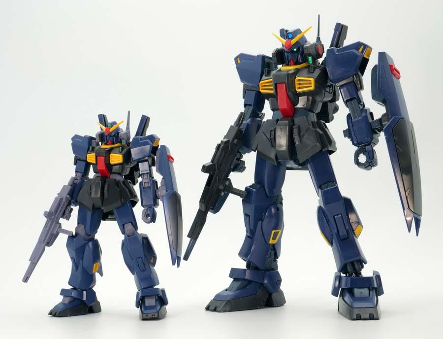 HGUCとMGガンダムMk-II(ティターンズ)の比較ガンプラ画像です